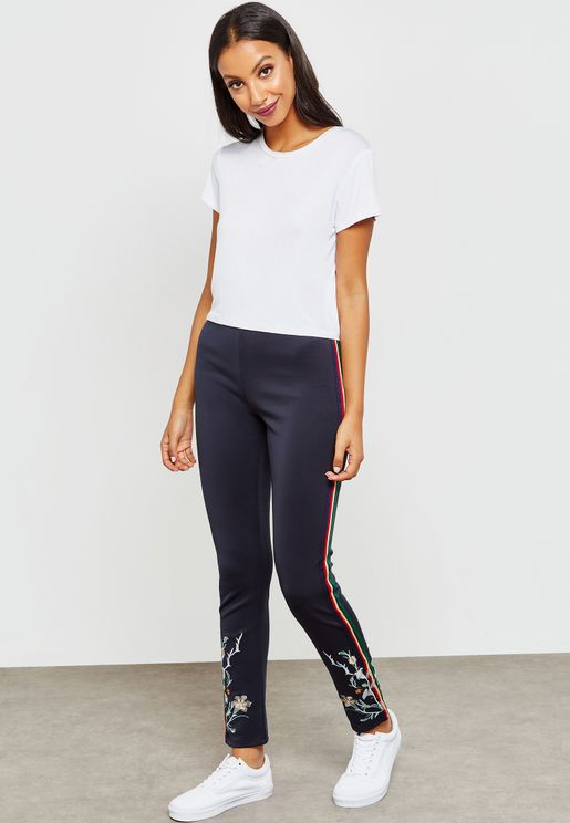 Embroidered Side Paneled Leggings