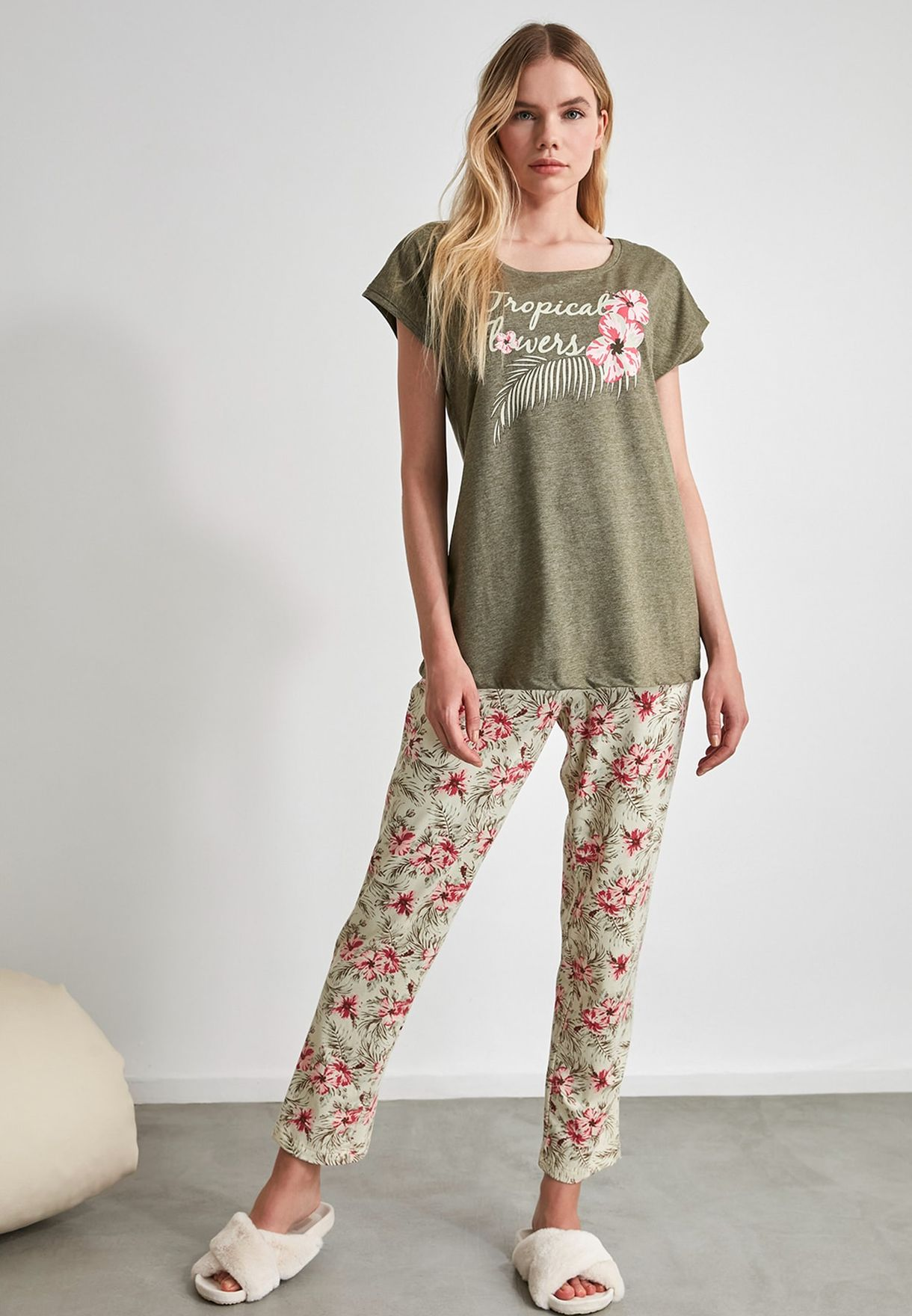 Graphic T-Shirt & Pyajama Set