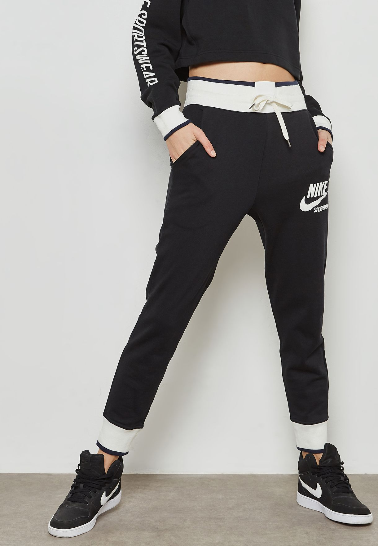 ac531ee05 Shop Nike black Archive Sweatpants 909726-010 for Women in Saudi ...