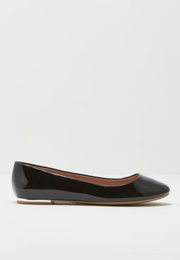 Ladies Round Toe Ballerina With Back Plate