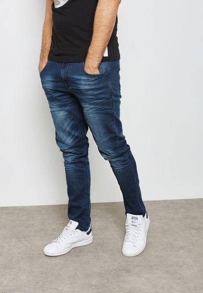 جينز بتصميم كلاسيكي