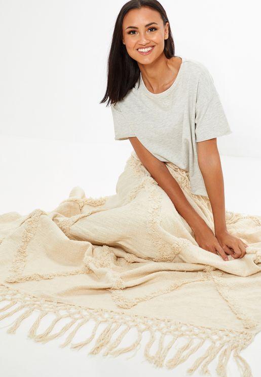 بطانية محبوكة بشراشيب