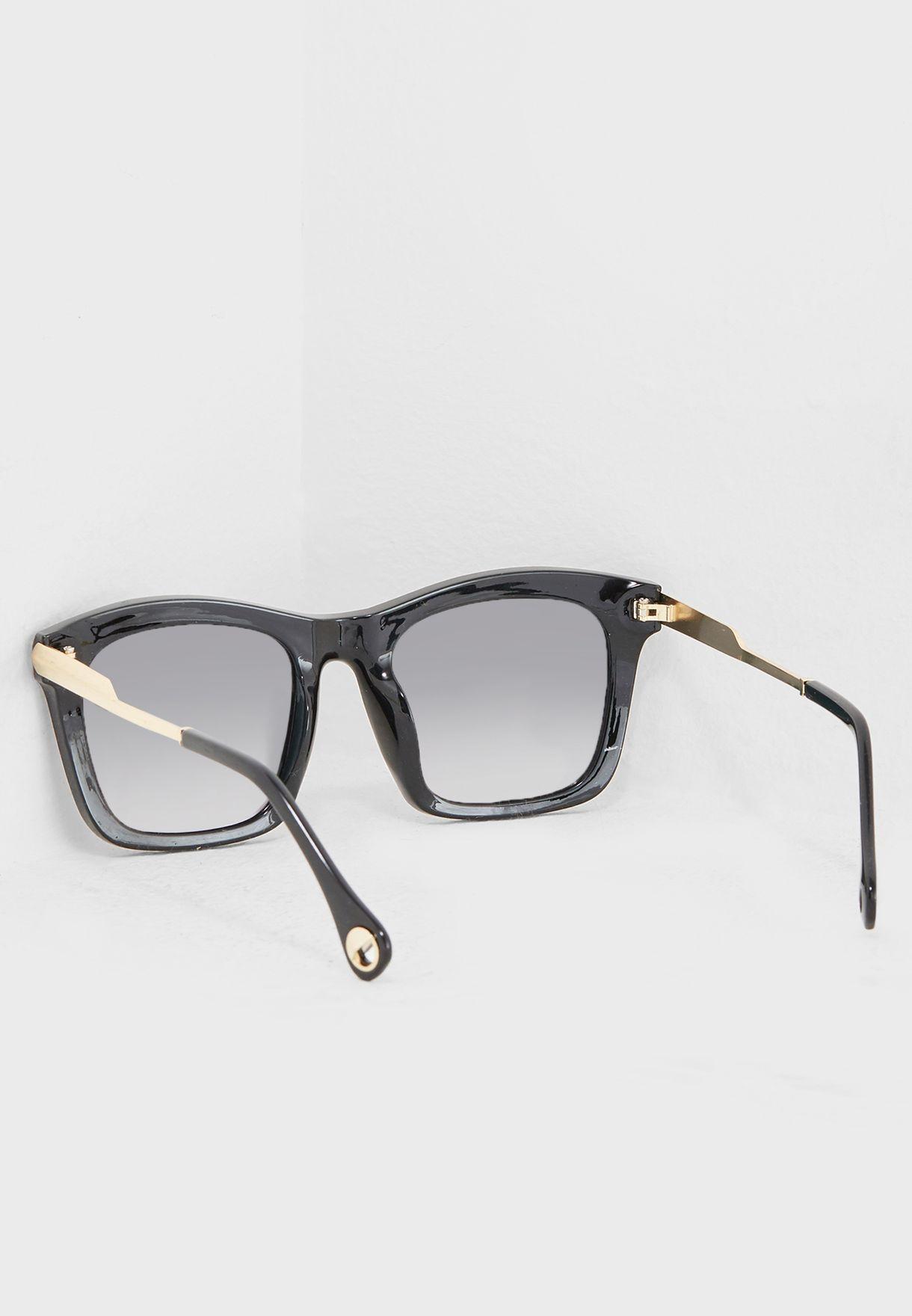 نظارات واي فيرر مربعة
