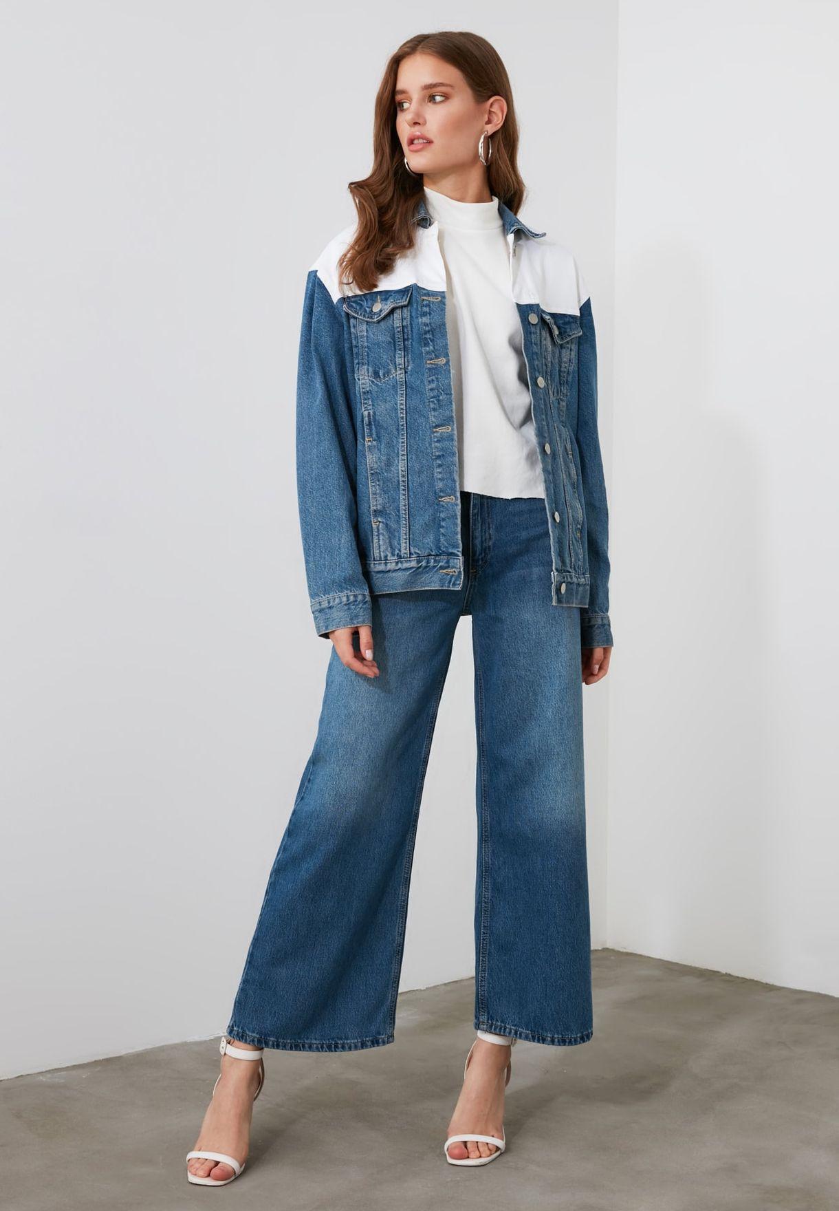 جينز بخصر عالي وقصير