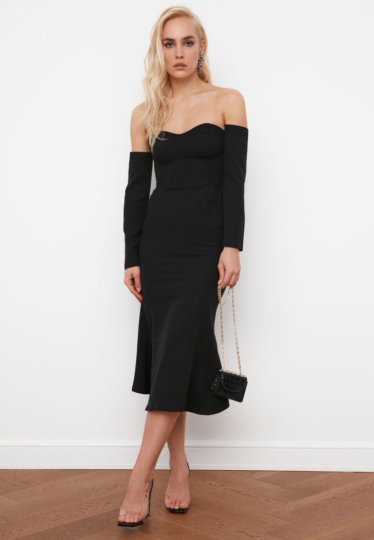 Black Sleeve Detailed Dress