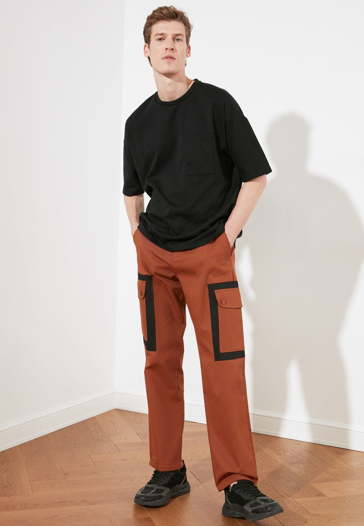 Contrast Pocket Straight Trousers