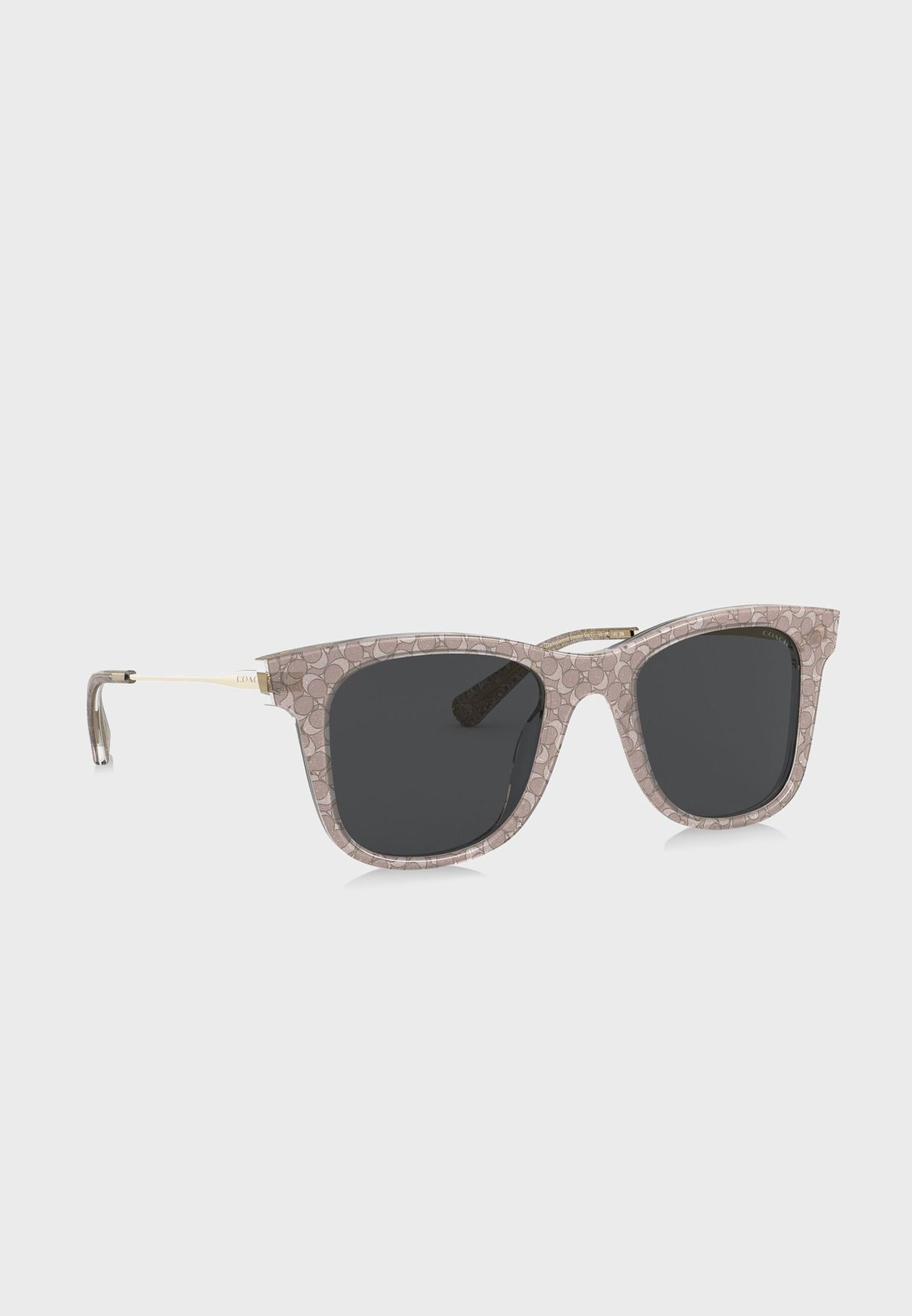 نظارة شمسية مزينة بشعار الماركة