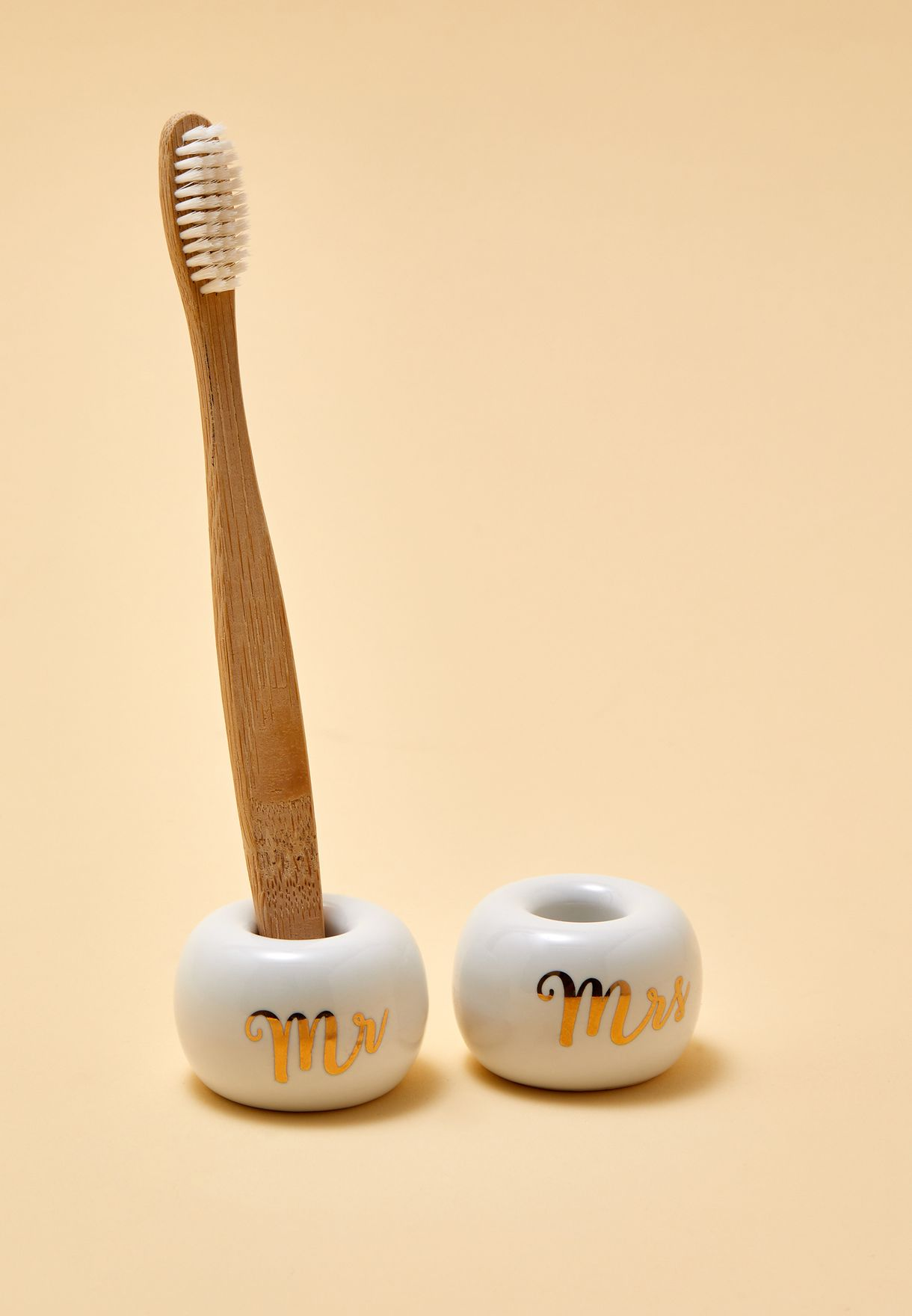Set Of 2 Mr & Mrs Toothbrush Holders
