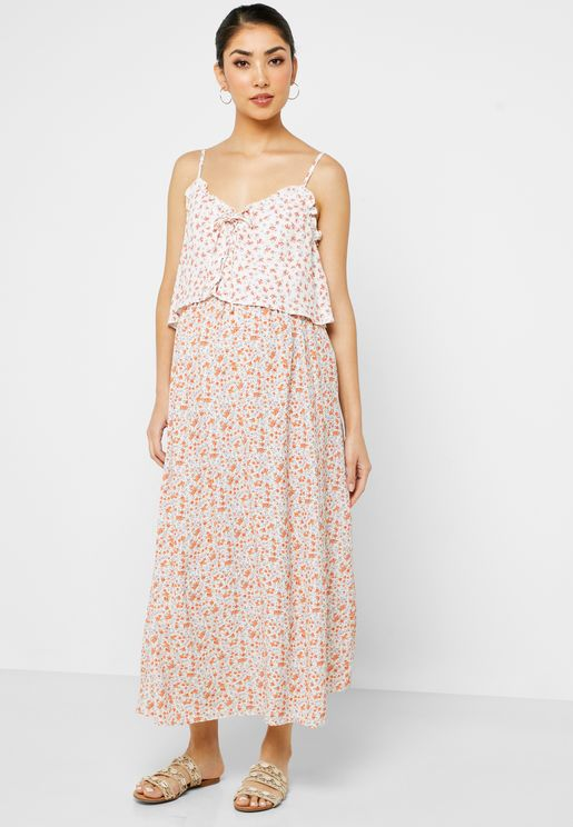 فستان مزين بطباعة ازهار