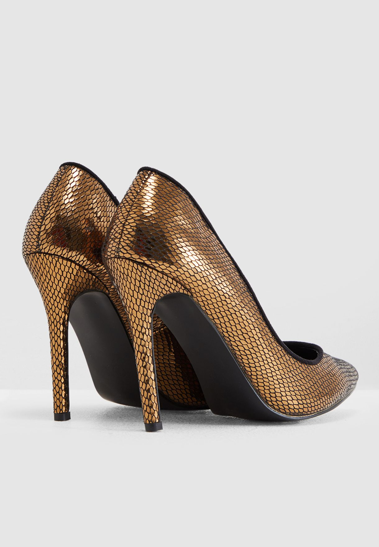 Court Shoe In Metallic
