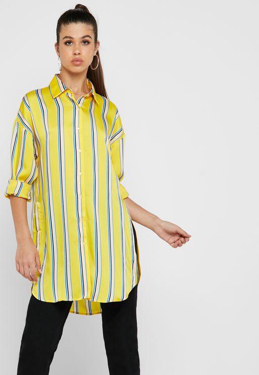 قميص مطبع عاري الكتفين
