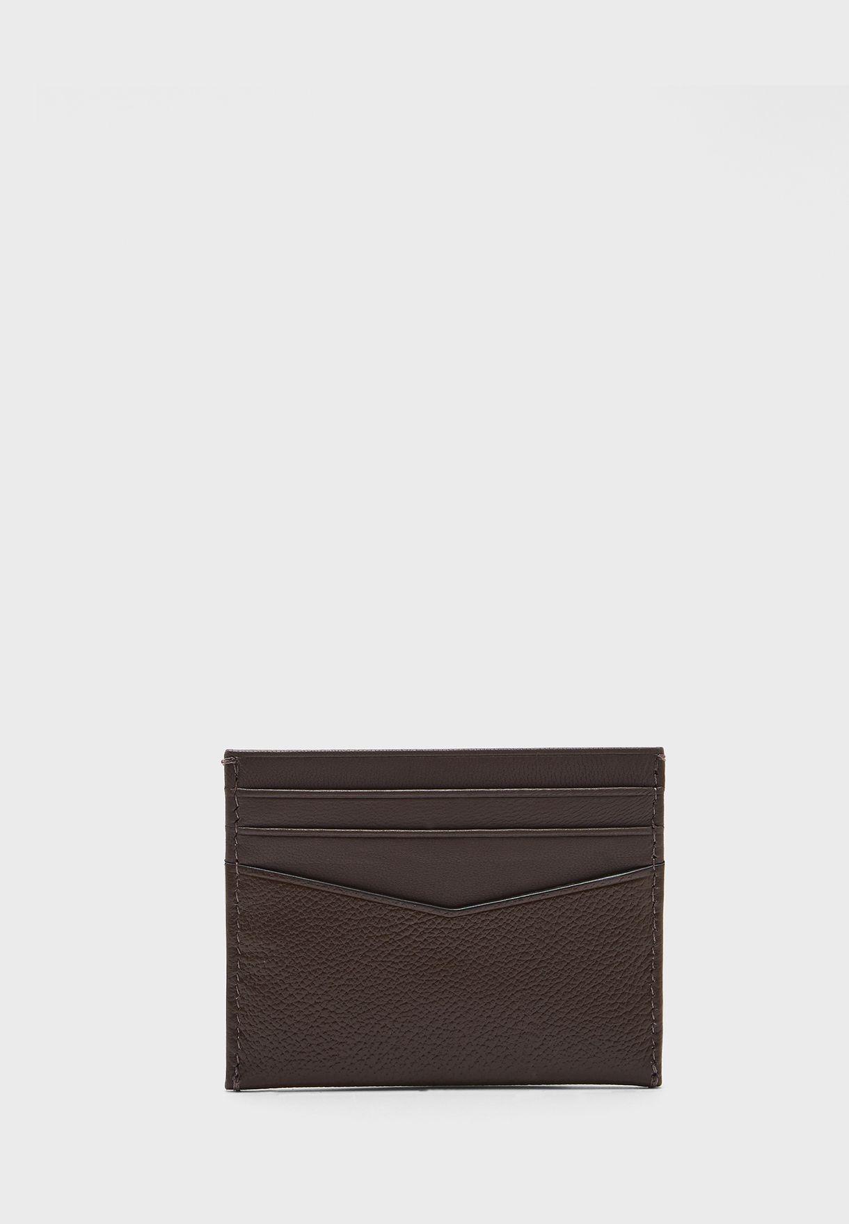 محفظة مزينة بشعار الماركة