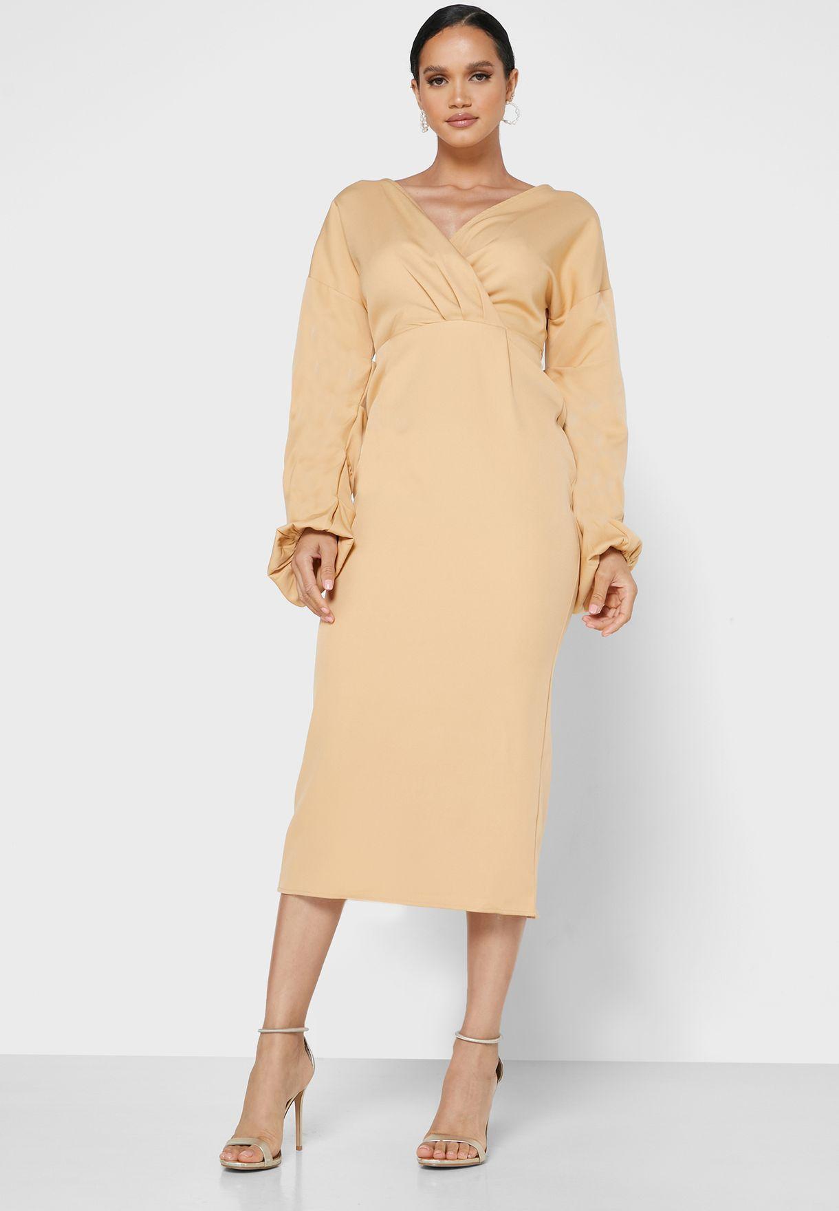 فستان ضيق
