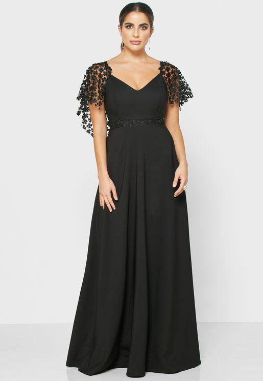 فستان شبك بياقة V