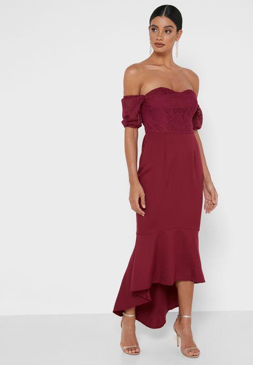 فستان سوزي بياقة عارية