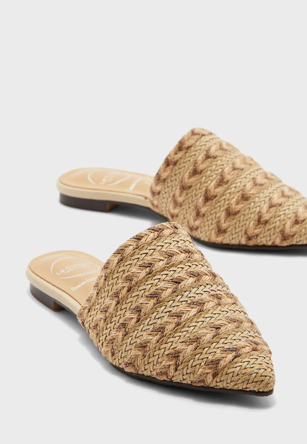 حذاء كاجوال مضفر