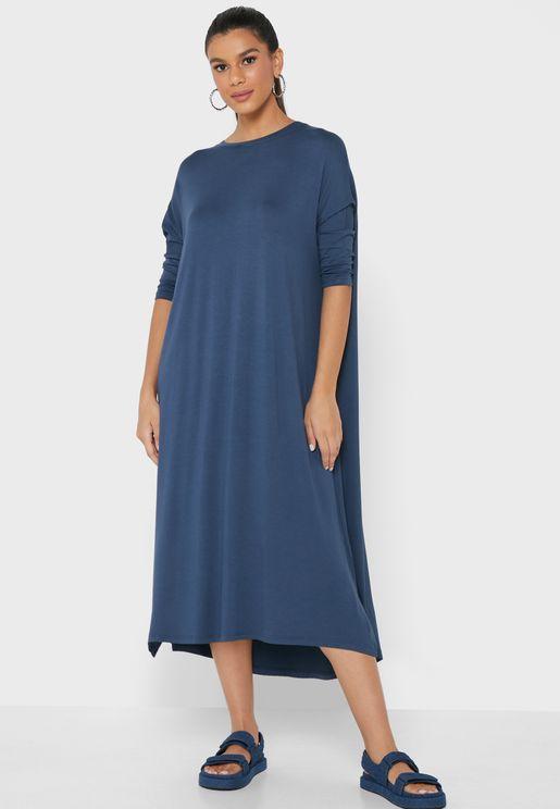 فستان ميدي بقصة واسعة