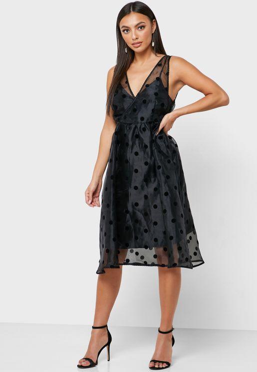 فستان شفاف منقط