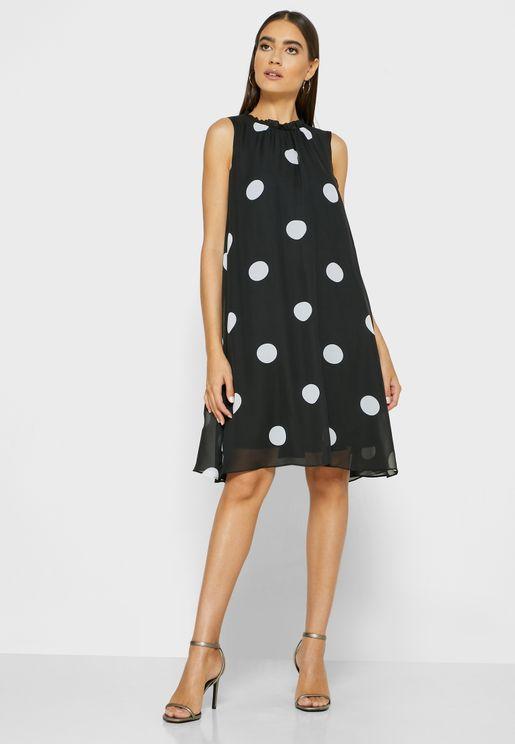 فستان بياقة عالية وطبعات (مرقع)