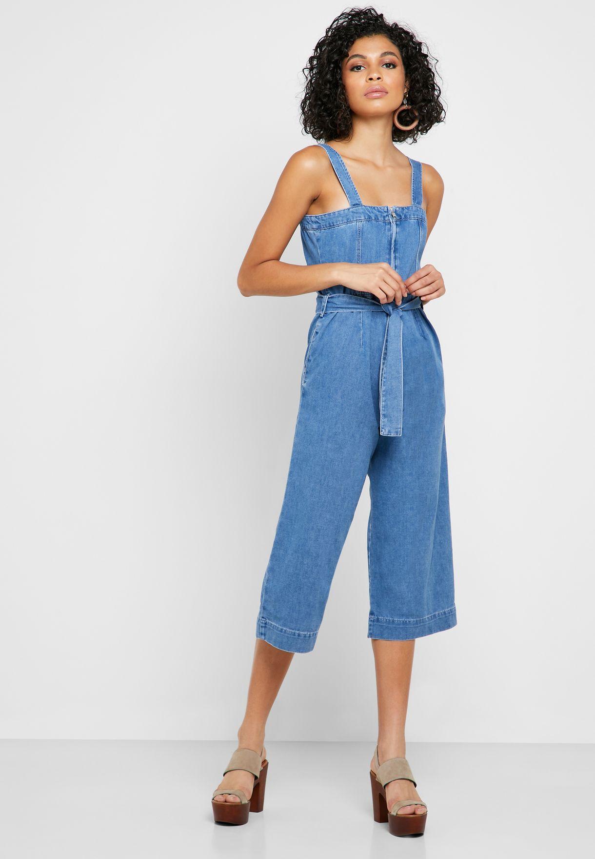 افرول جينز قصير بأربطة وحمالات كتف