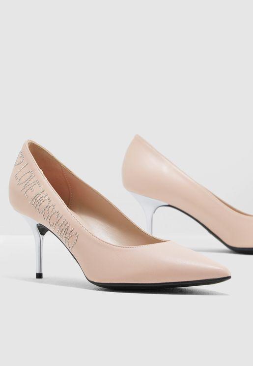 حذاء جلد اصلي مزين بشعار الماركة