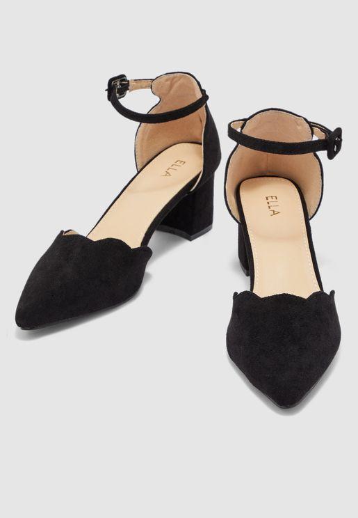 حذاء بملمس الشمواه