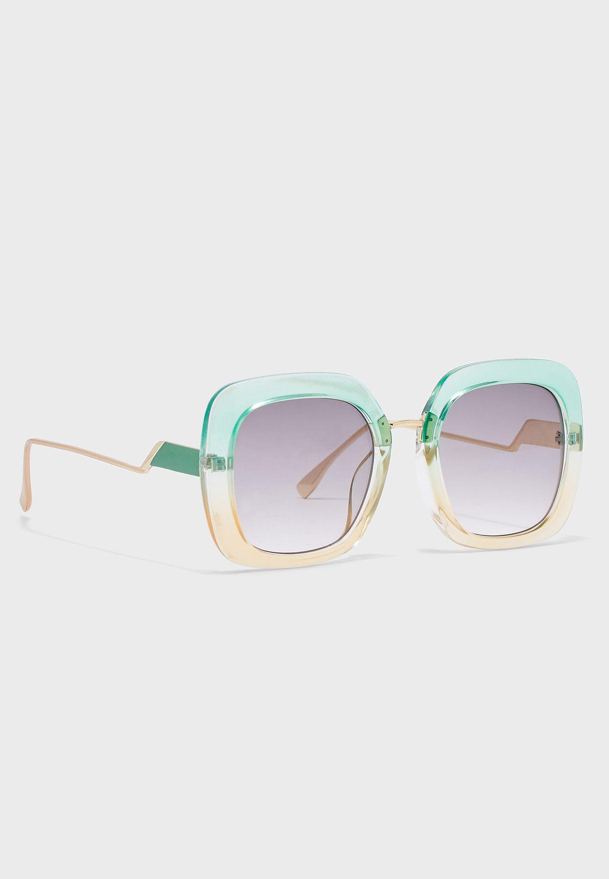 نظارة شمسية بإطار عريض من لونين