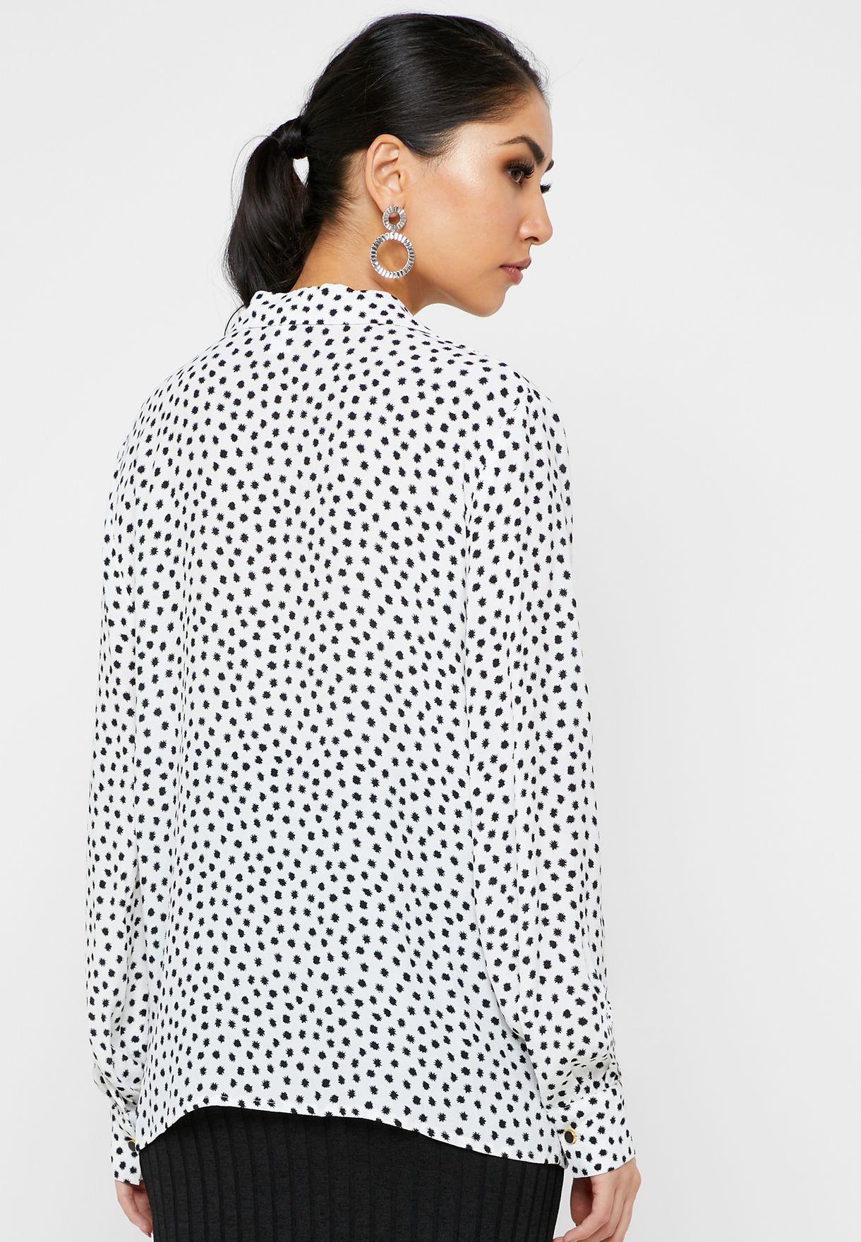 قميص بطبعات نقاط بولكا