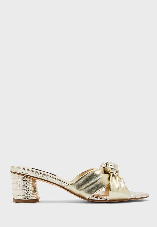 Wnkayla3 Knot Mid-Heel Sandals