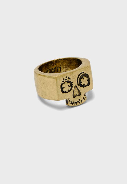 Nelly Muertado Signet Ring