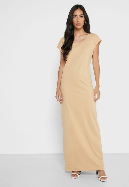 فستان ماكسي بياقة دائرية