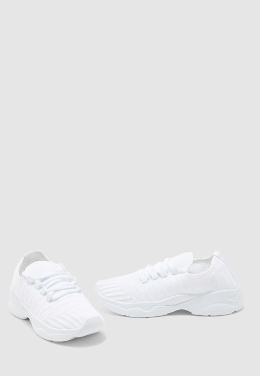 Casual Low Top Sneaker - white