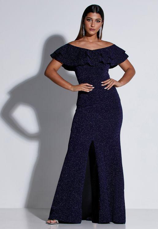 فستان ماكسي مكشكش يكشف الاكتاف