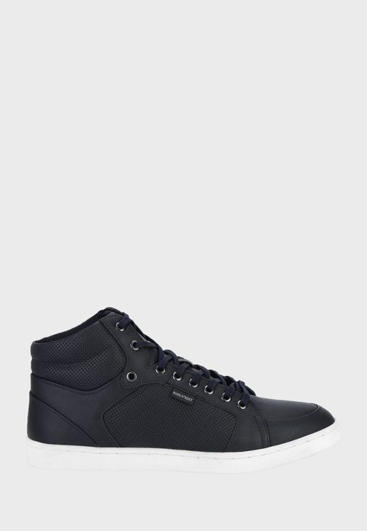 Casual Low Sneakers
