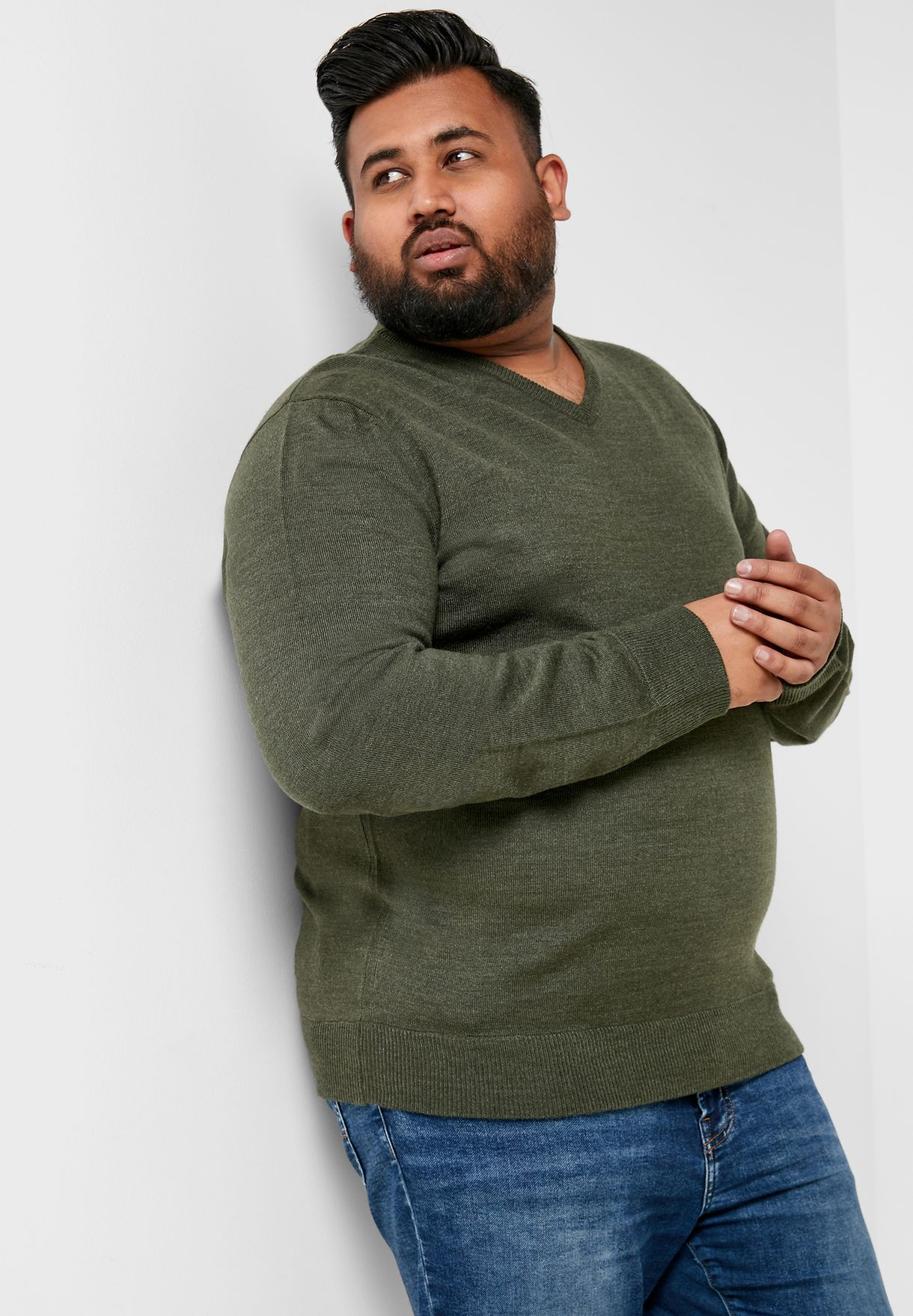 Plus Size V-Neck Knitwear