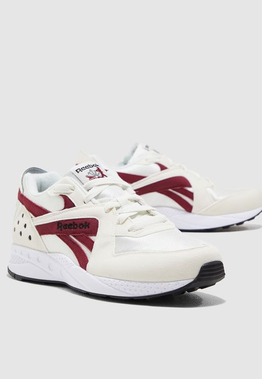 e15364ee1 Reebok Shoes for Men