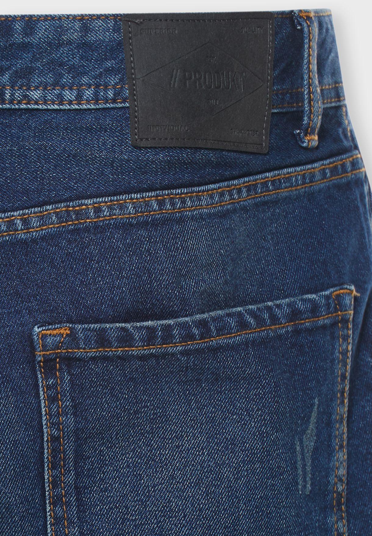 شورت جينز بأطراف مطوية