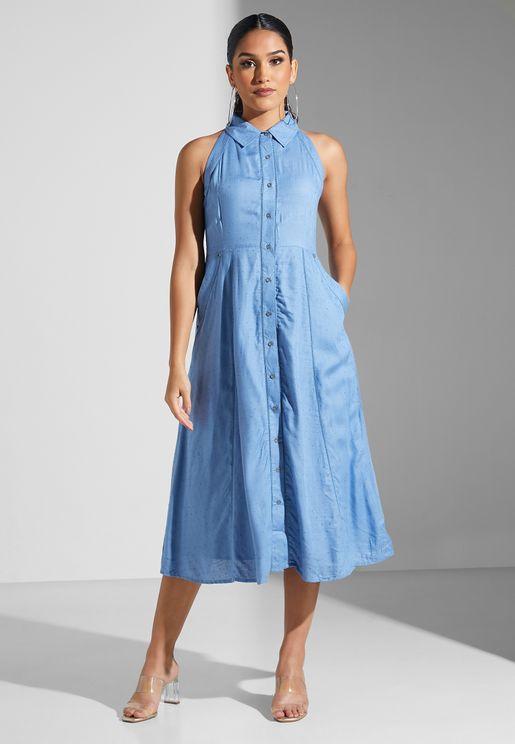 فستان بأزرار وياقة كلاسيكية