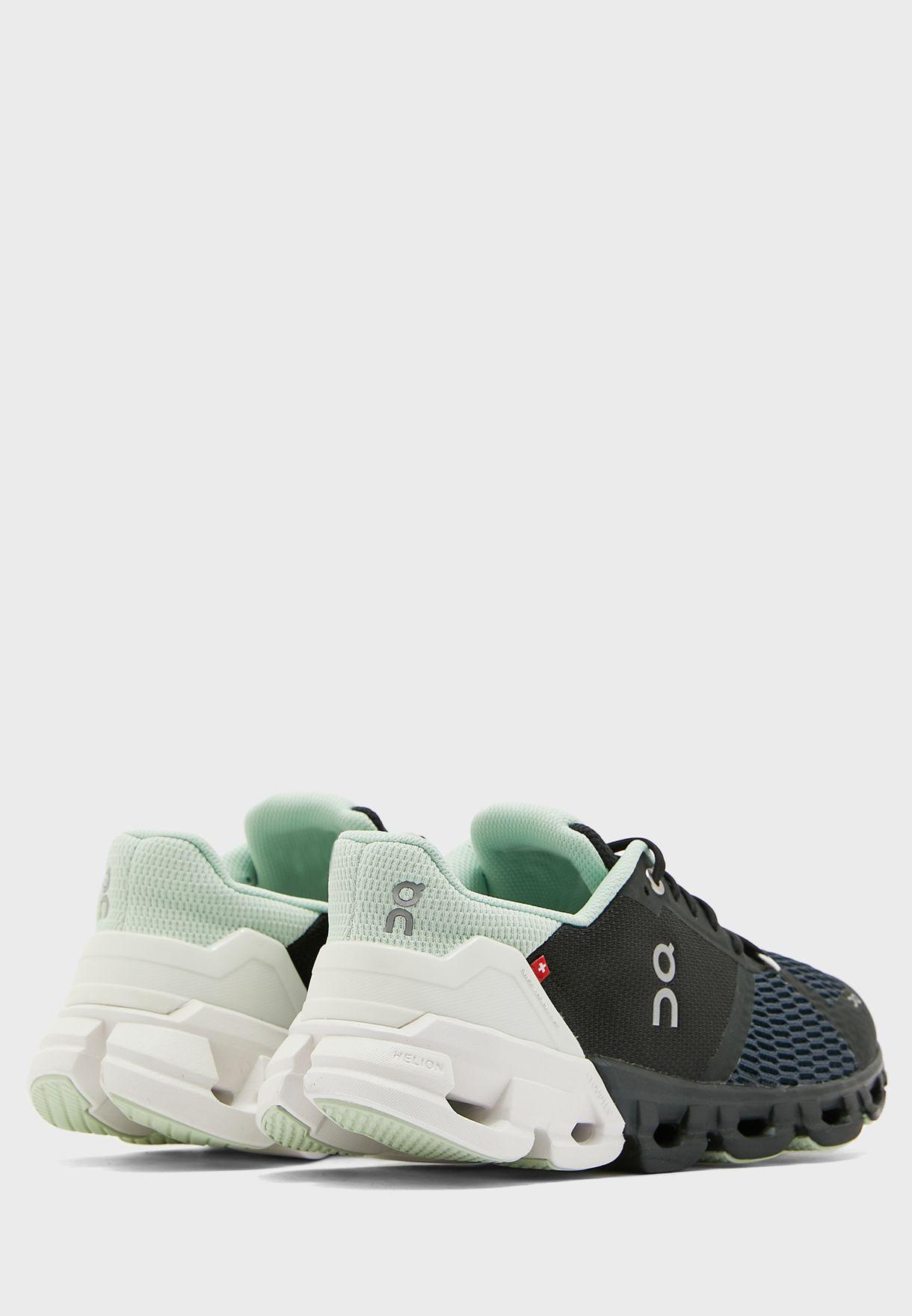 حذاء كلاود فلاير