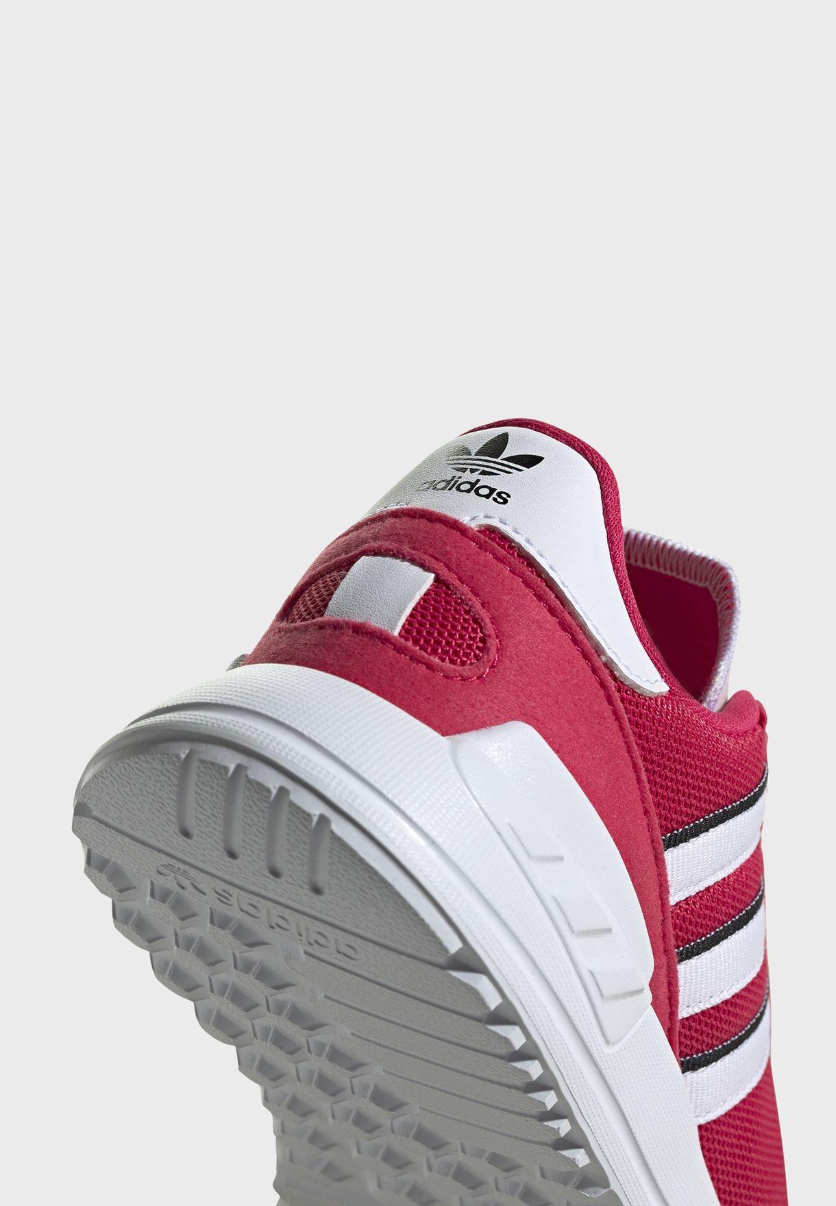 حذاء ال ايه ترينر لايت
