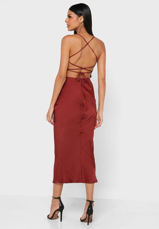 فستان ميدي بنمط متقاطع في الخلف