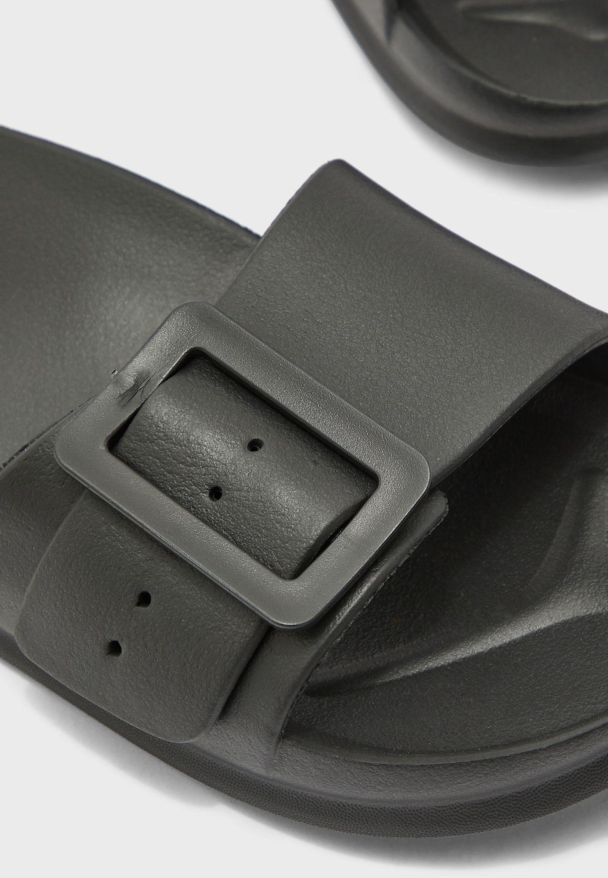 Buckle Detail Sliders