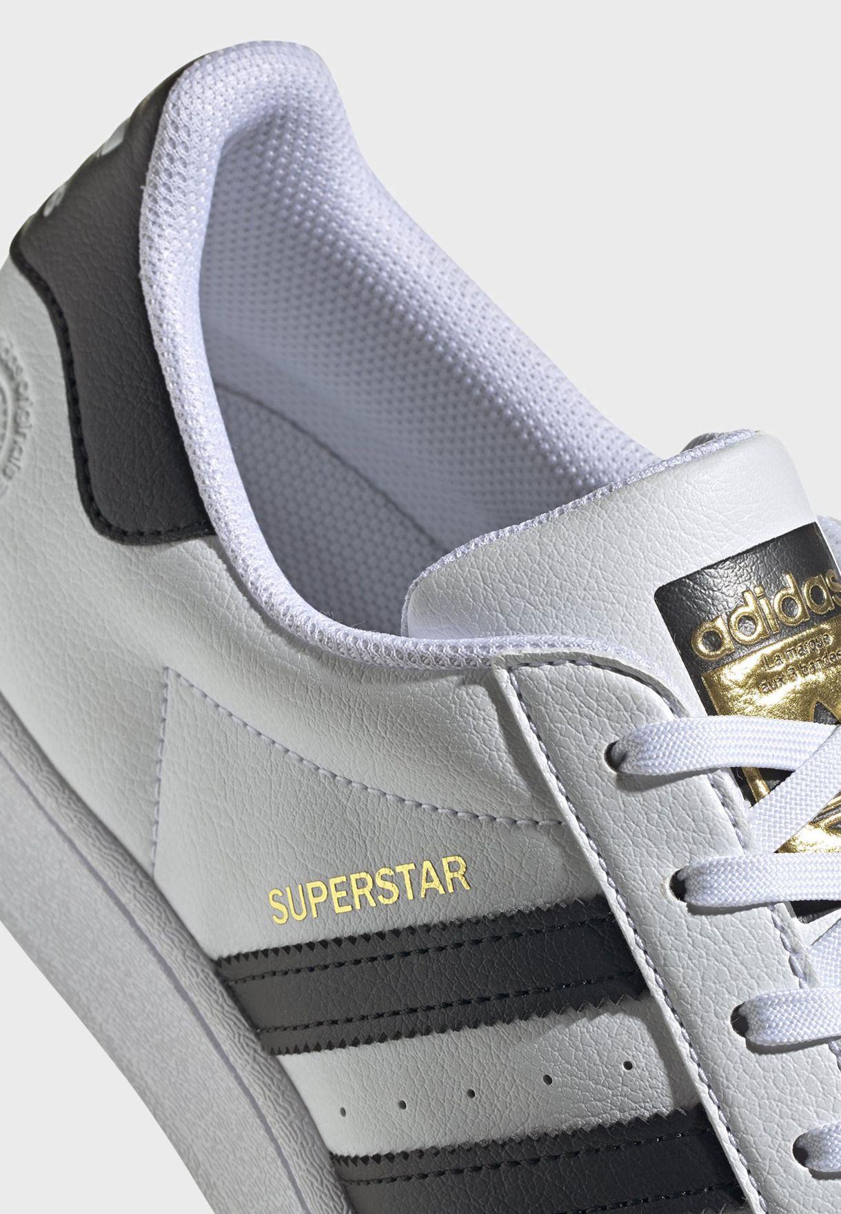حذاء سوبرستار بناتي