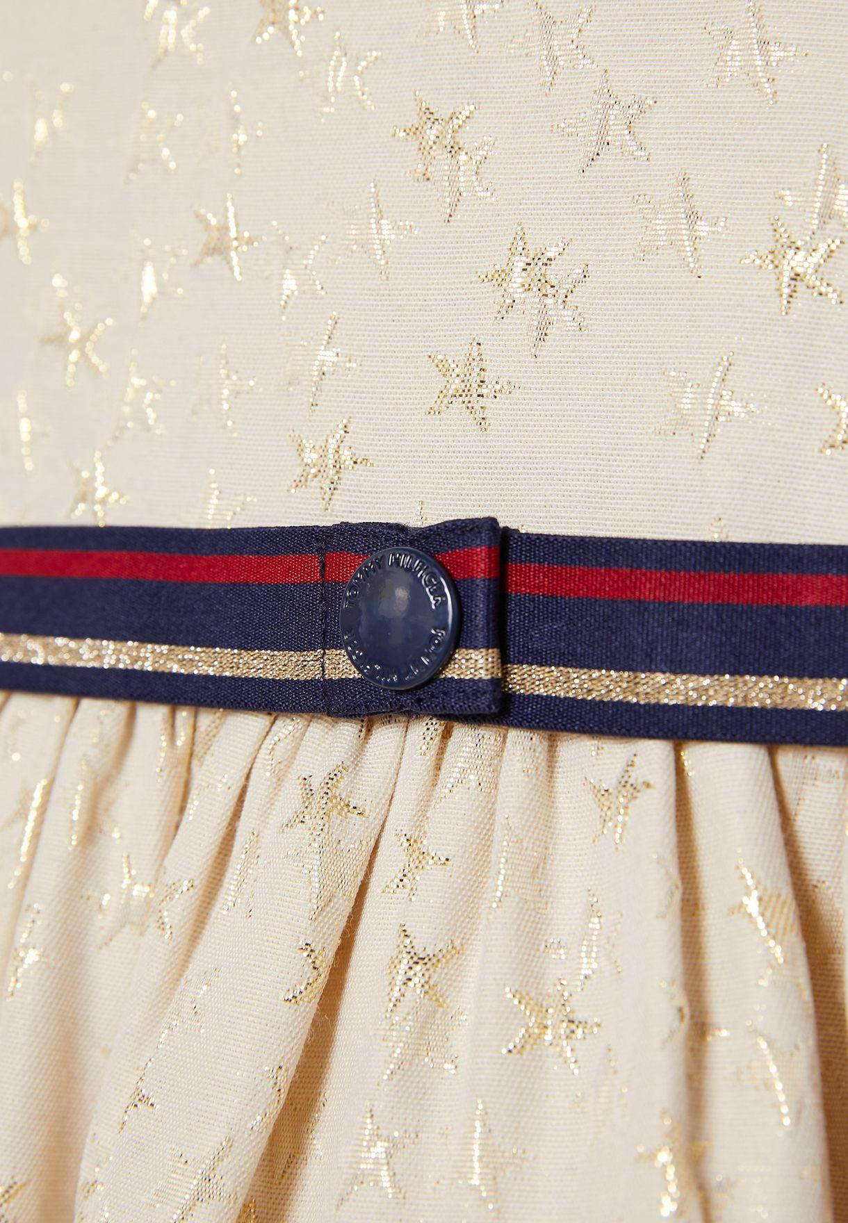 فستان بطبعات نجوم