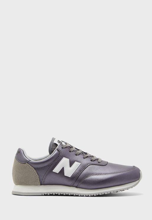 حذاء C100