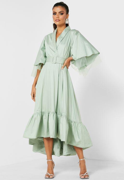 فستان لف بأكمام منفوشة