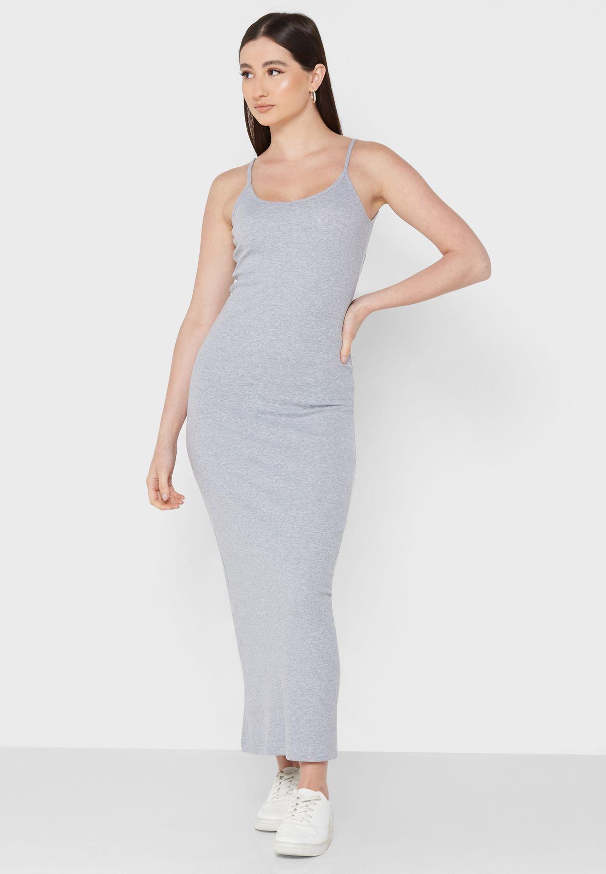 فستان ميدي بحمالات
