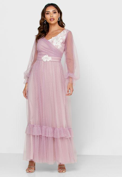 فستان شفاف بتطريز ازهار