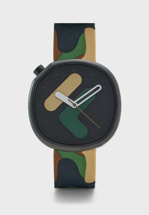 ساعة بطبعات جيش
