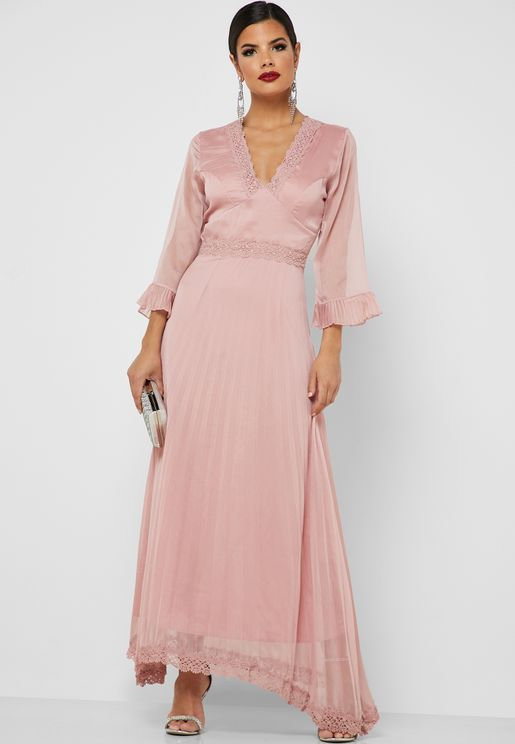 Lace Trim Pleated Maxi Dress